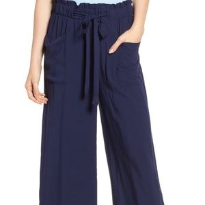 Wide leg cropped paper bag pants